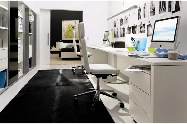 Sa lucrez de acasa sau sa inchiriez un birou?