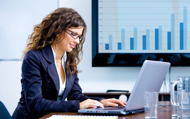 Sa lucrezi de acasa sau sa inchiriezi un birou?