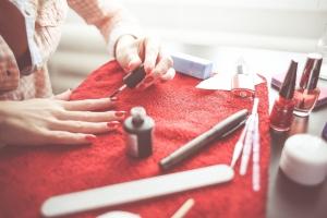 Cum sa aveti grija de unghii pentru un aspect sanatos si ingrijit?